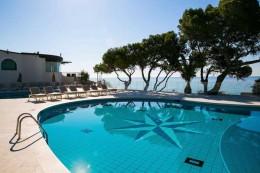 tennis-hotel-forte-village-sardinien-italien-pool